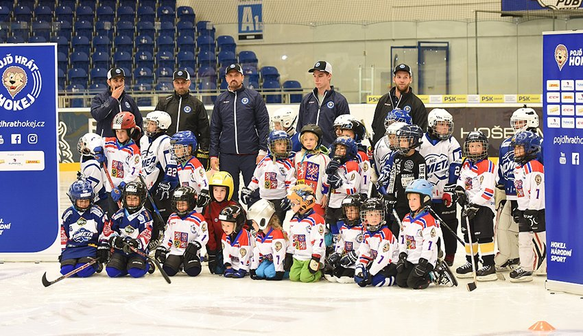 Týden hokeje přilákal do brněnské DRFG Areny na čtyři desítky dětí